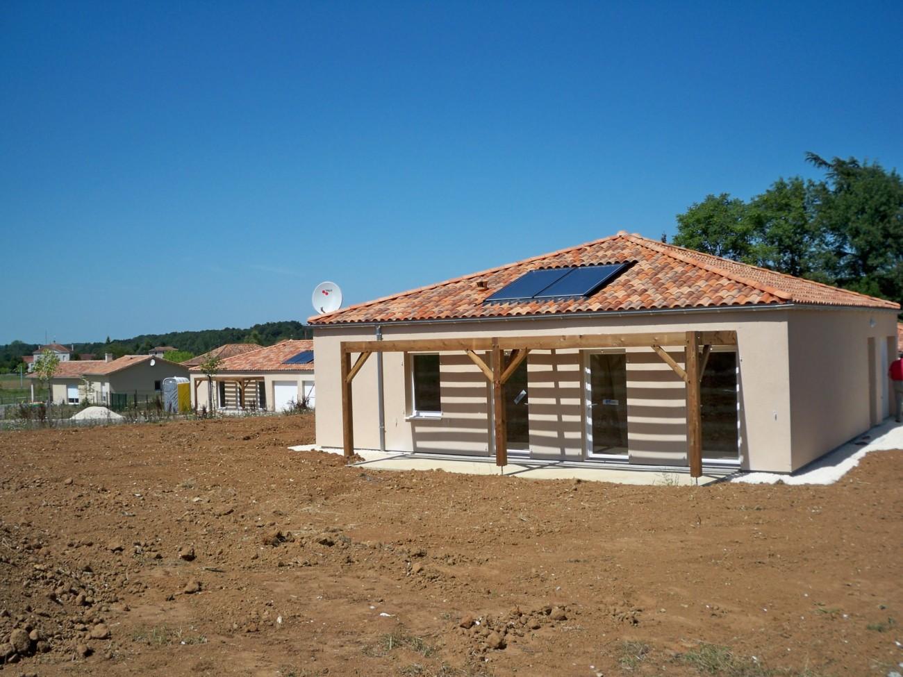 utilisation des enerrgies renouvelables pour 5 maiosns à ossature bois