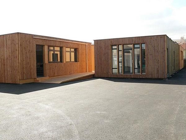 Des modules préfabriqué en ossature bois pour faire une école