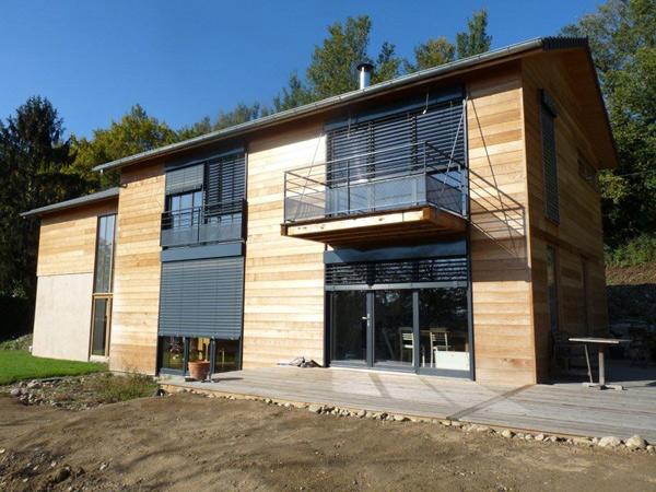 Maison à construction mixte : bois et acier