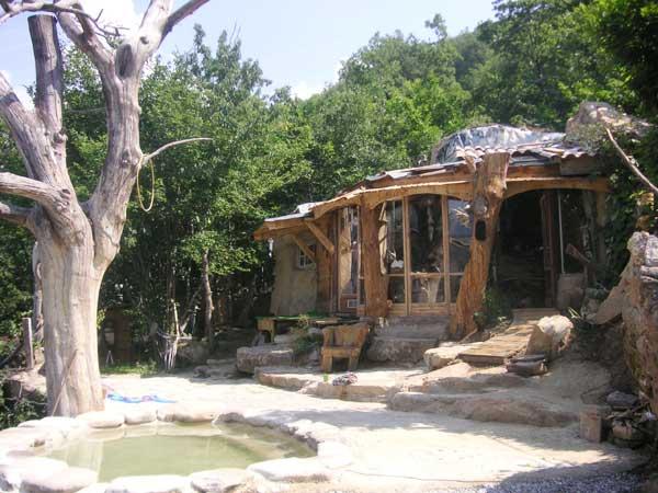 Découvrez les huttes en bois