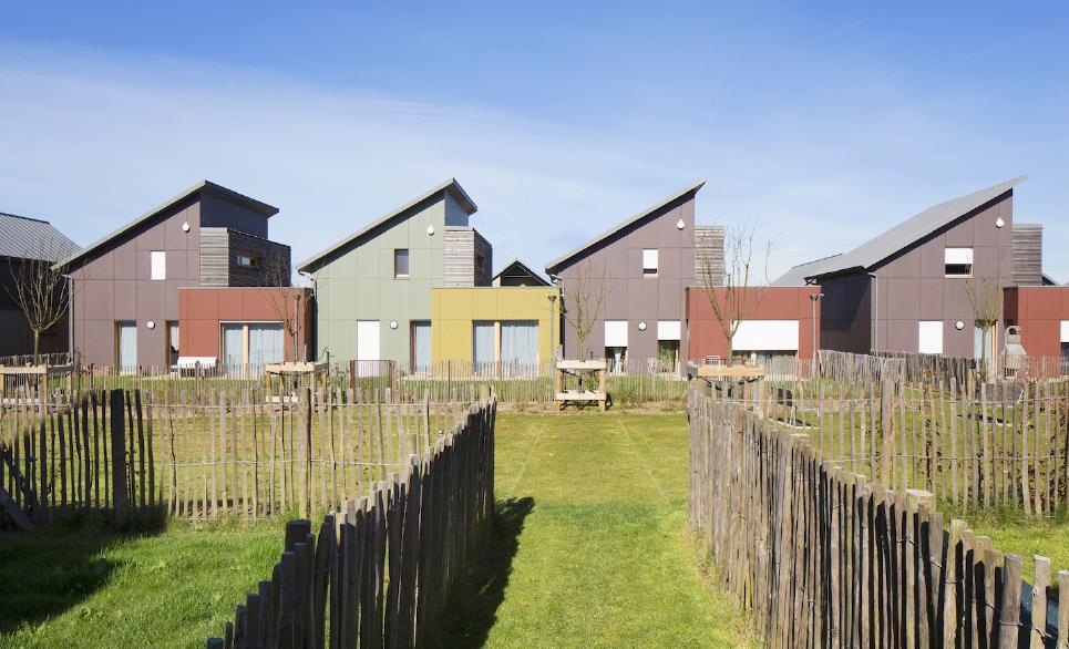 Prix « Logement Collectifs et Groupés » : Eco-hameau des Charmilles - Sainneville, Architecte : Atelier Bettinger Desplanques