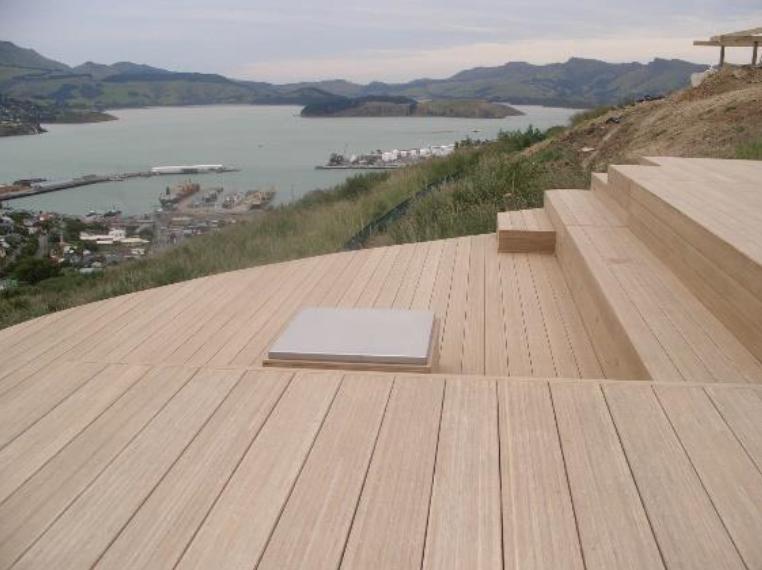 Bambou utilisé dans la fabrication de terrasse