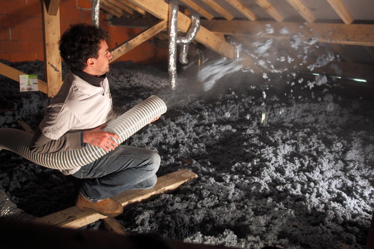 Soufflage de l'isolant Isonat Cotonwool