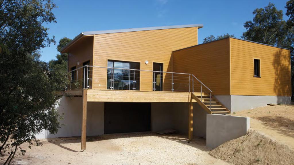 EXtérieur de la maison en bois