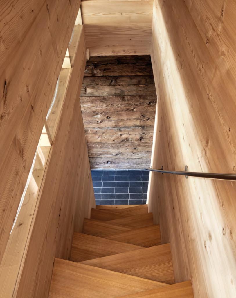 L'escalier en bois du mayen